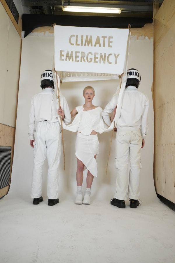Johnny-Maclean-Fashion_Design_Marketing_photo_Eva_Nunney_Dominik_Slowik.JPG