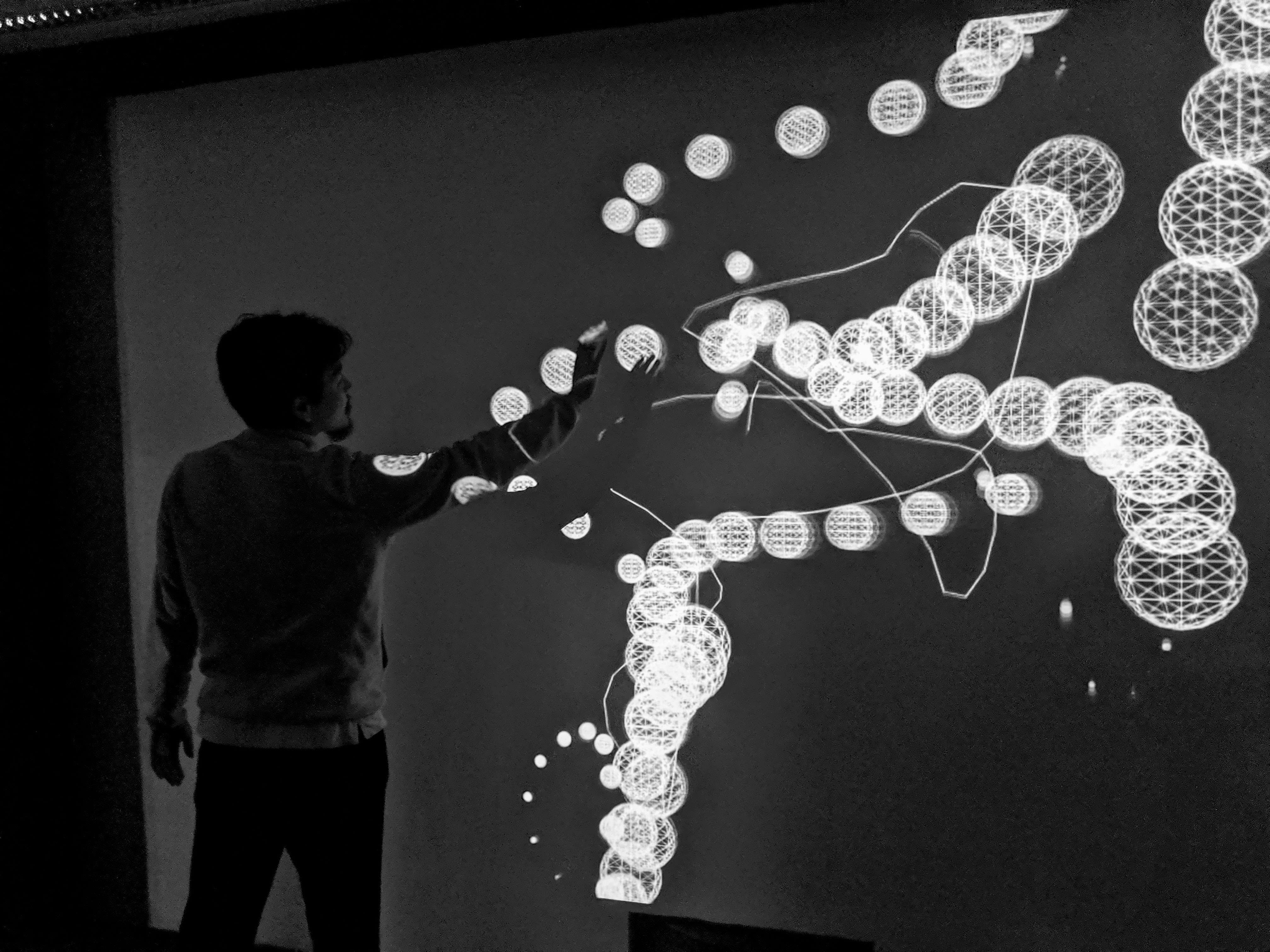 wimbledon-college-of-arts-ba-theatre-design-Youngjun-Chang-Interactive-Projection.jpg