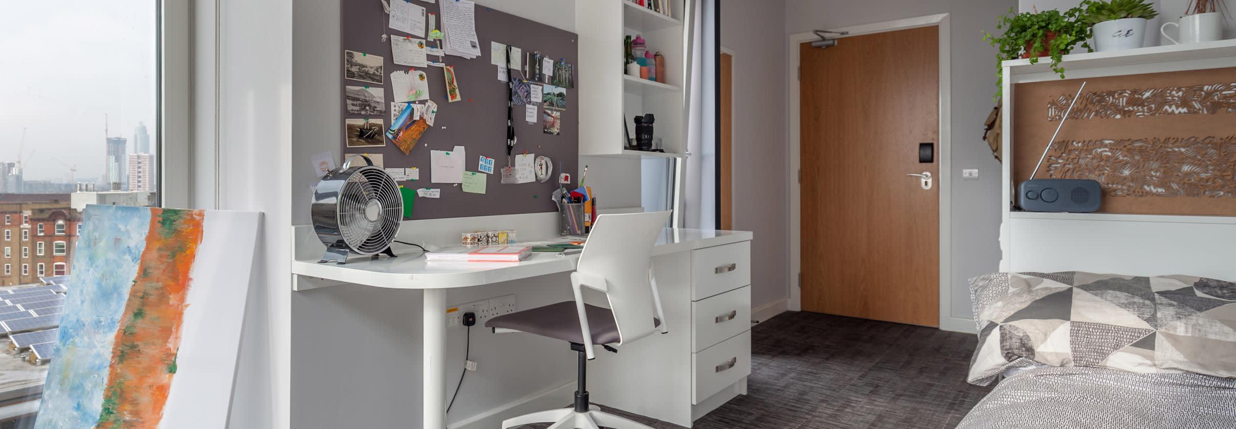 Glassyard-Premium-Ensuite-Room.jpg