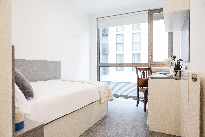 lewisham-5-Bedroom-Cluster-Flat,-ensite-bedroom-.jpg