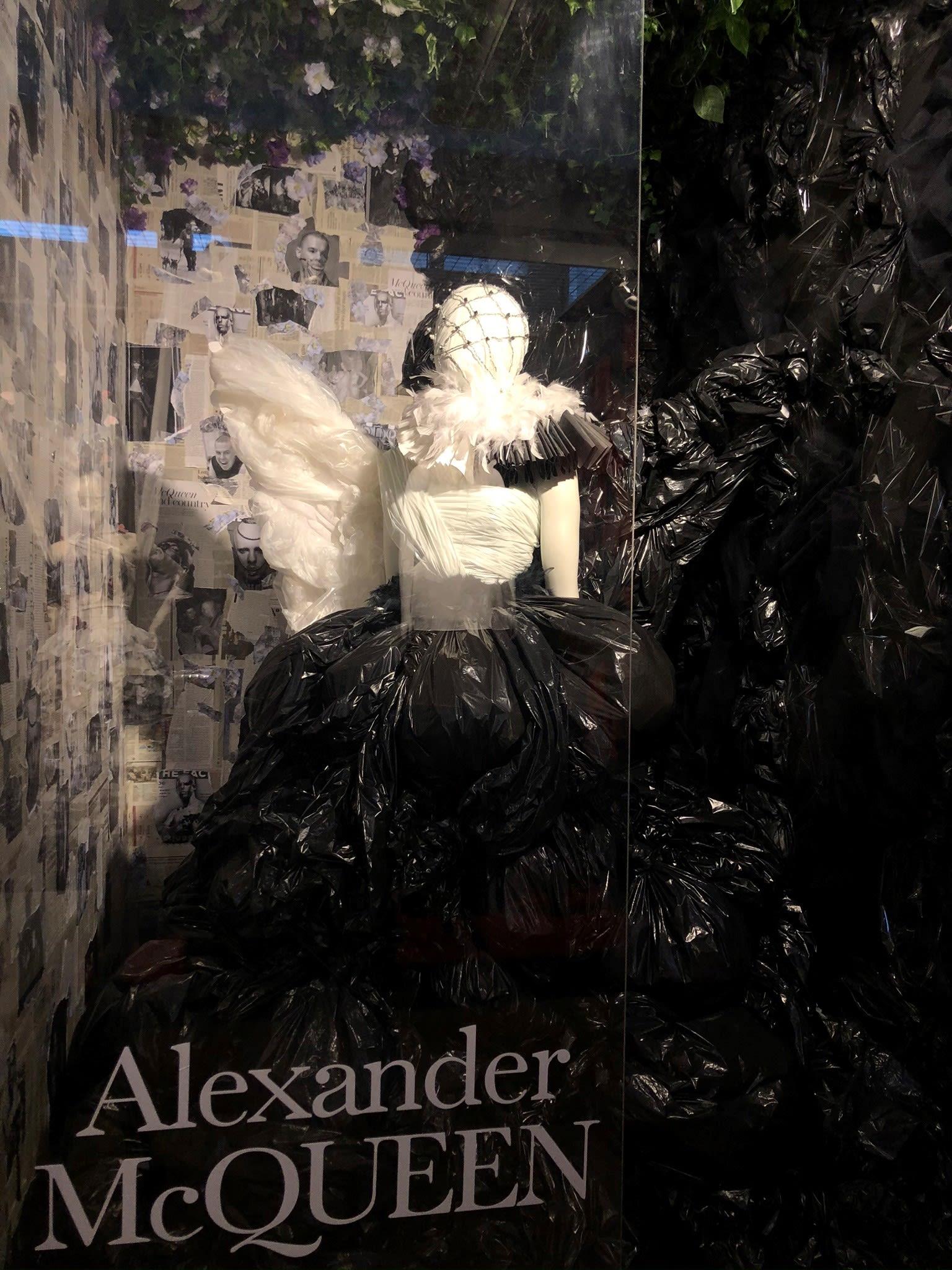 VMB-Alexander-McQueen-2.jpg