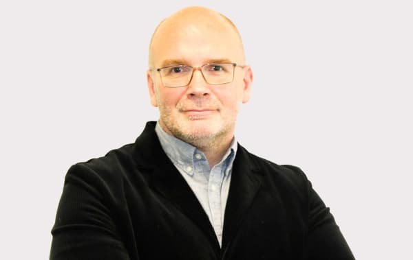 Photo of Simon-Ofield-Kerr