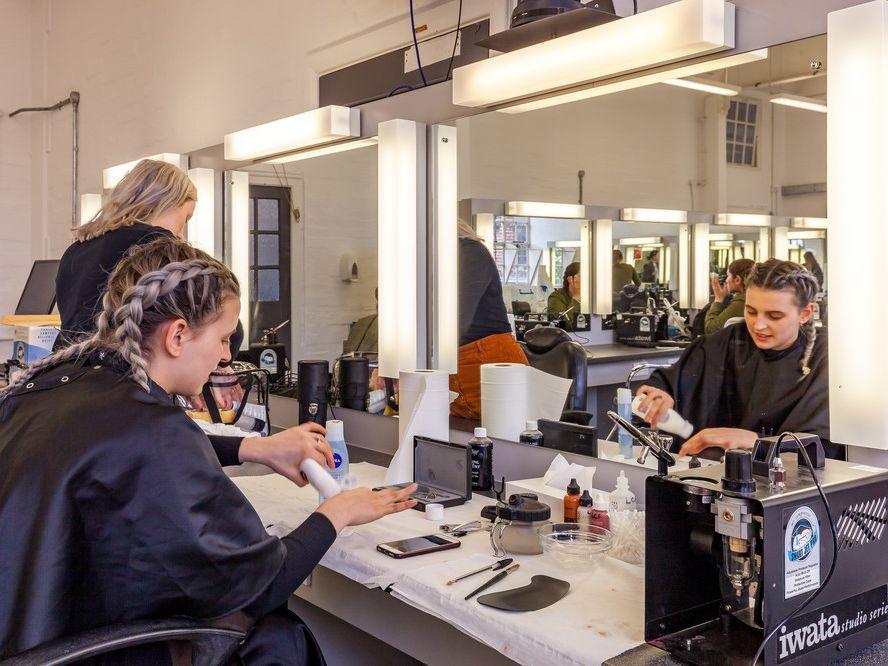 Make up studio space