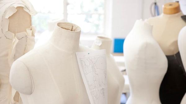 SHORTCJTlE Draping Womenswear Design (Online)