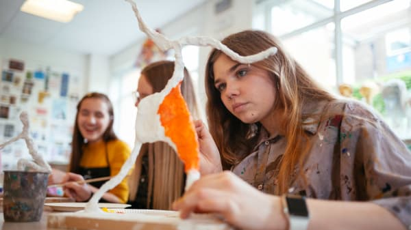 Art classes for teenagers in Folkstone