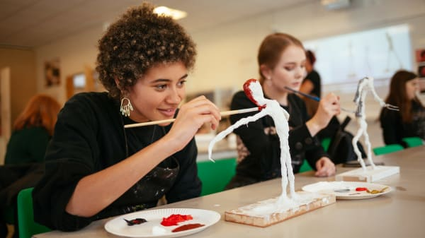 Art classes for teenagers in St Albans