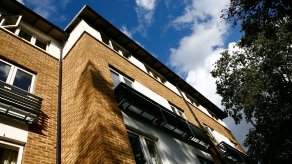 Exterior shot of Cordwainers Court halls of residence