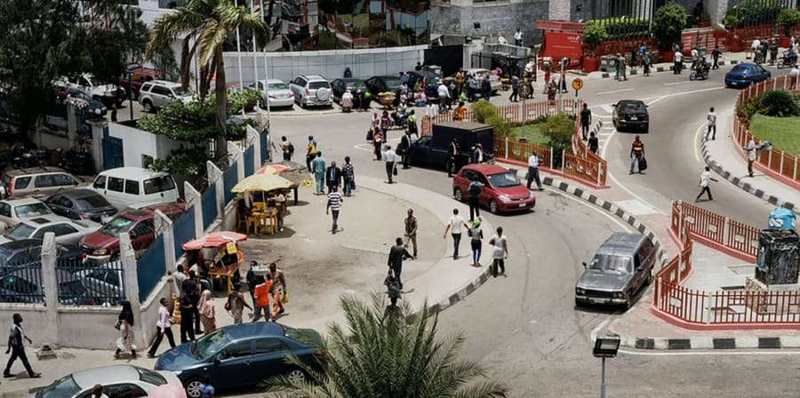 Image of busy street in the centre of Lagos