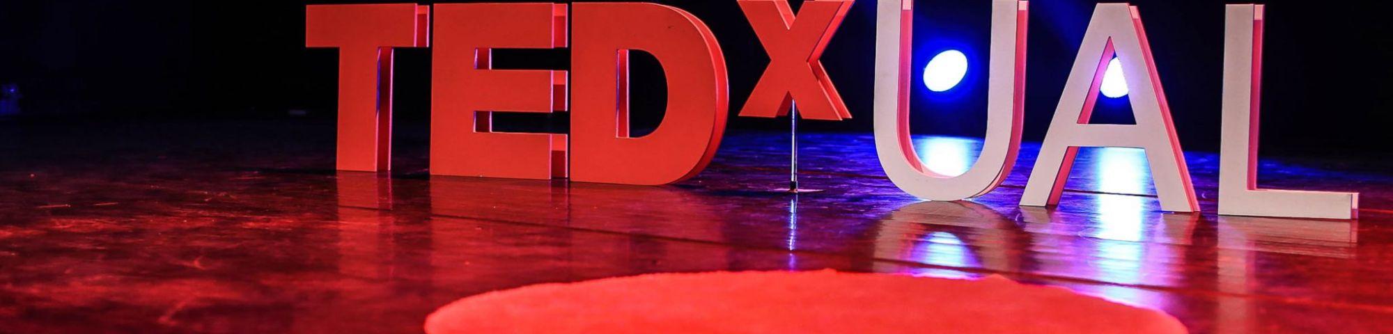 TEDxUAL stage branding photo by Stefan Griesche