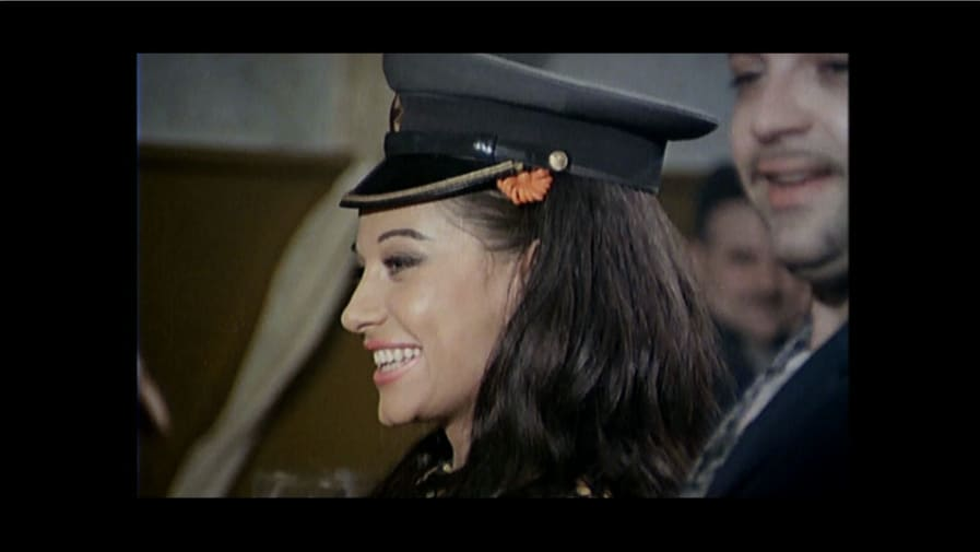 skupljaci-perja-woman-hat-edit