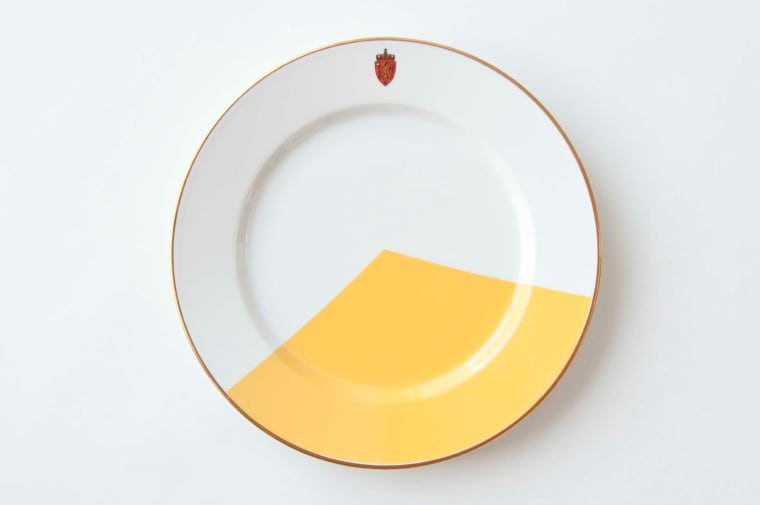 Plate with geometric yellow design