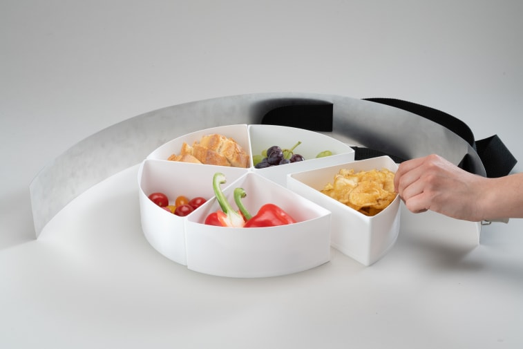 Sharing lunch box with five compartments