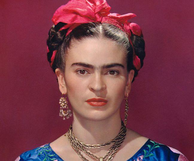 WEB_Frida-Kahlo-in-blue-satin-blouse,-1939