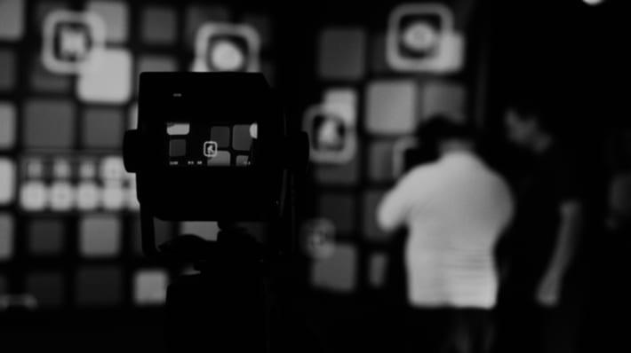 LCC students on set in Film & TV Studio