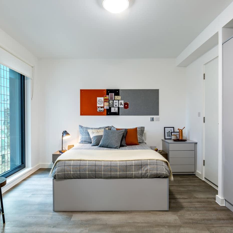 UAL-Garden-House-Student-Accomadation-bedroom2-600x600.jpg