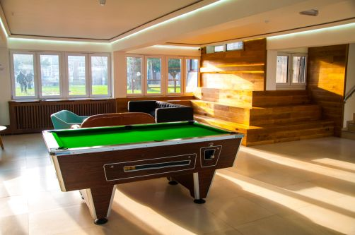 Photo of communal area with snooker table at Furzedown Student Village