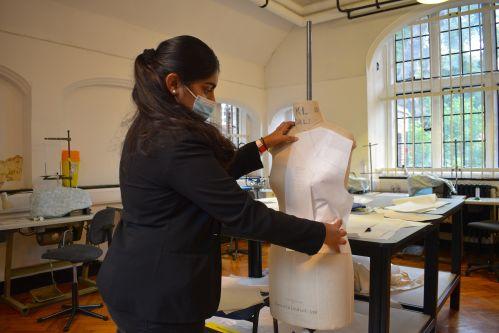 Keren Sondi in class at Lime Grove.