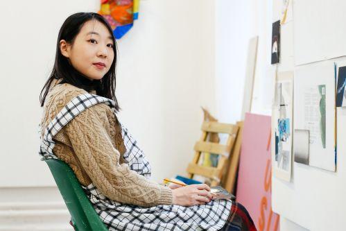 Chino Hirose in art studio