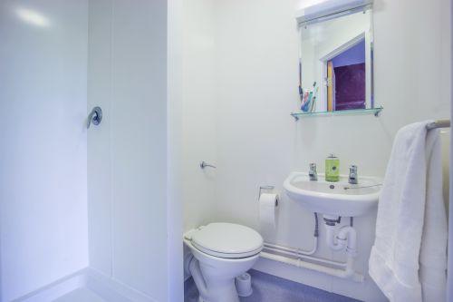 Photo of a bathroom at Don Gratton House