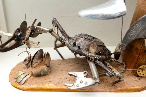 A crab made of scrap metal
