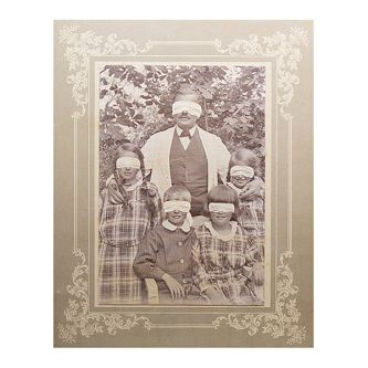 Photograph of family portrait by Joachim Fleinert