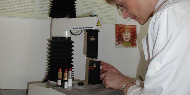 Danka measuring lipstick