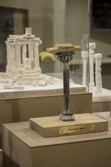 close up of sculpture representing a single roman column