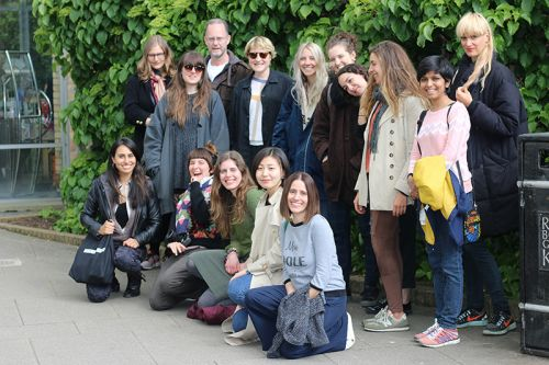group student photo at kew gardens