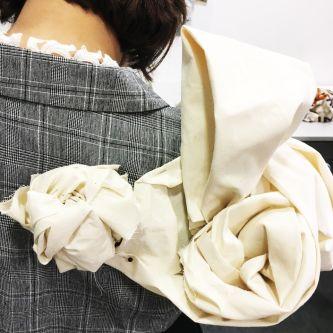 Mandula Pap's knot work on model.