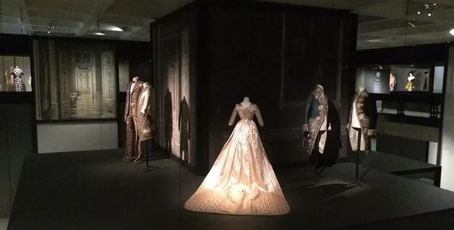 dresses in a gallery