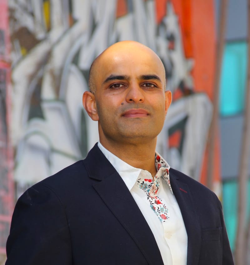 Sanjeev  Davidson