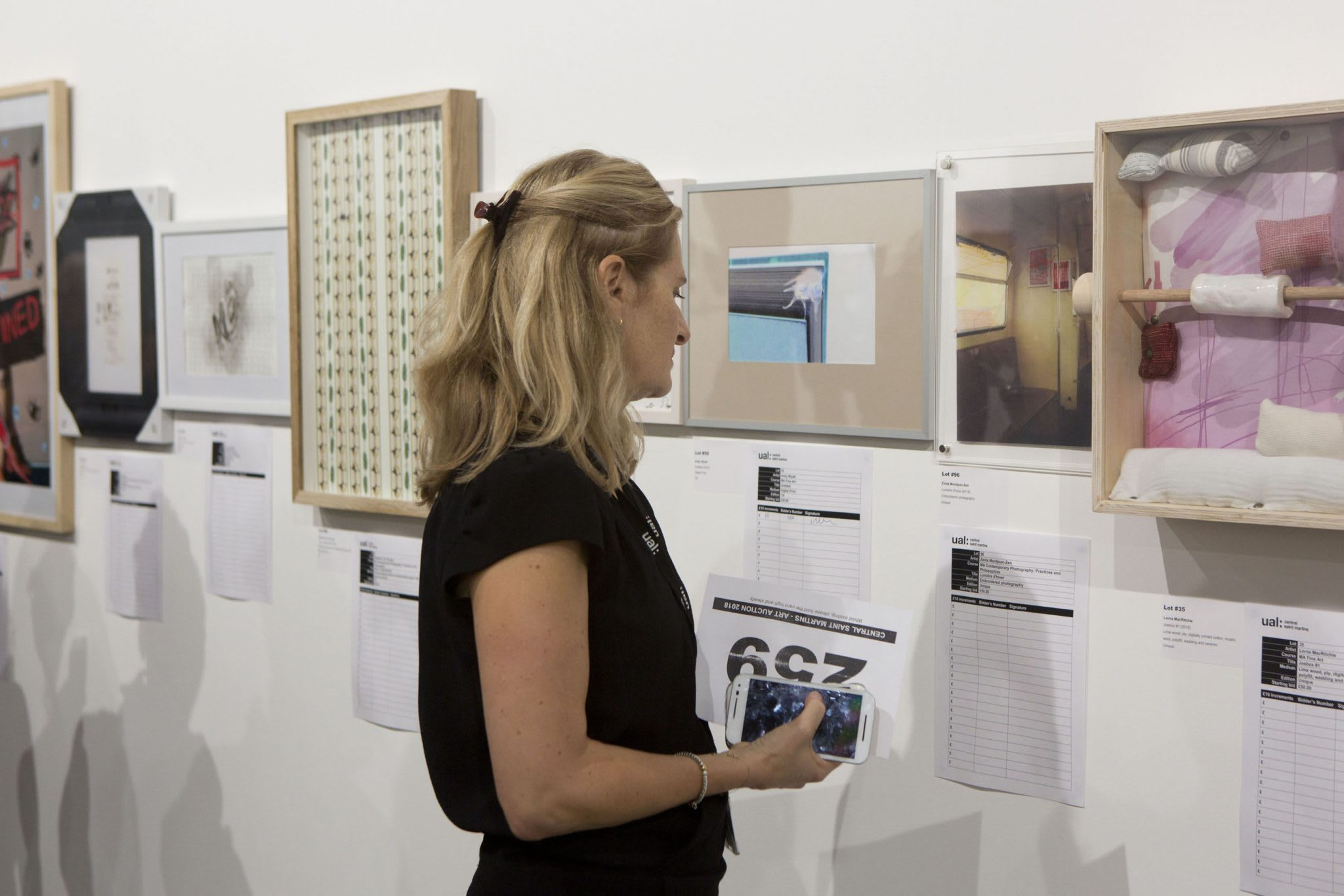 Art Auction: In Pictures