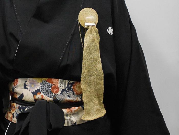 Holder Brooch 2 by BA (Hons) Fashion Jewellery graduate Suinan Li.