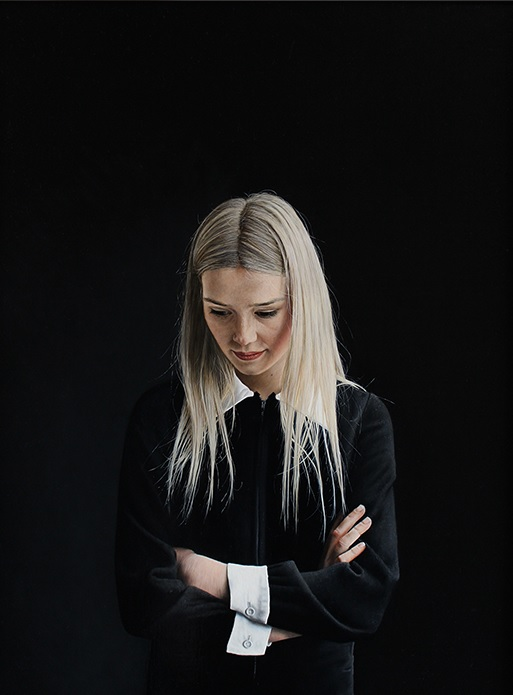 Charles Moxon, Sarah in a Black Dress. Oil on Canvas, 2014