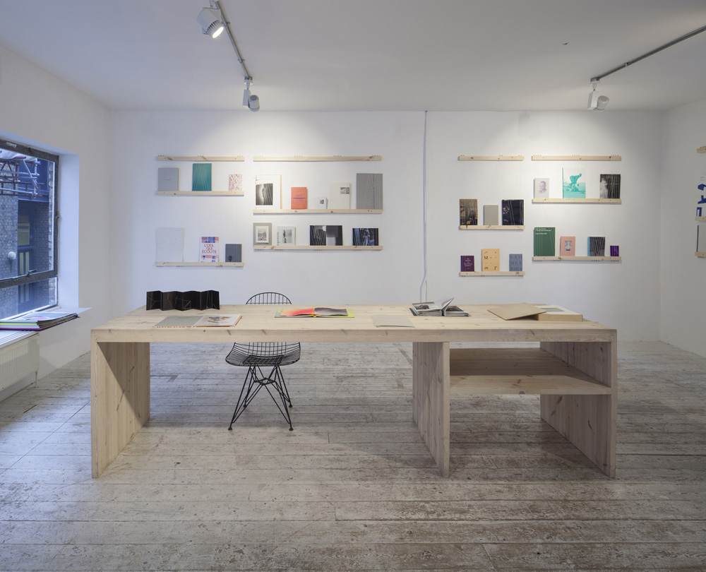 'Between the Lines' at Roz Barr Gallery, designed.by Benedetta Rogers. Image credit: Magali Avezou.
