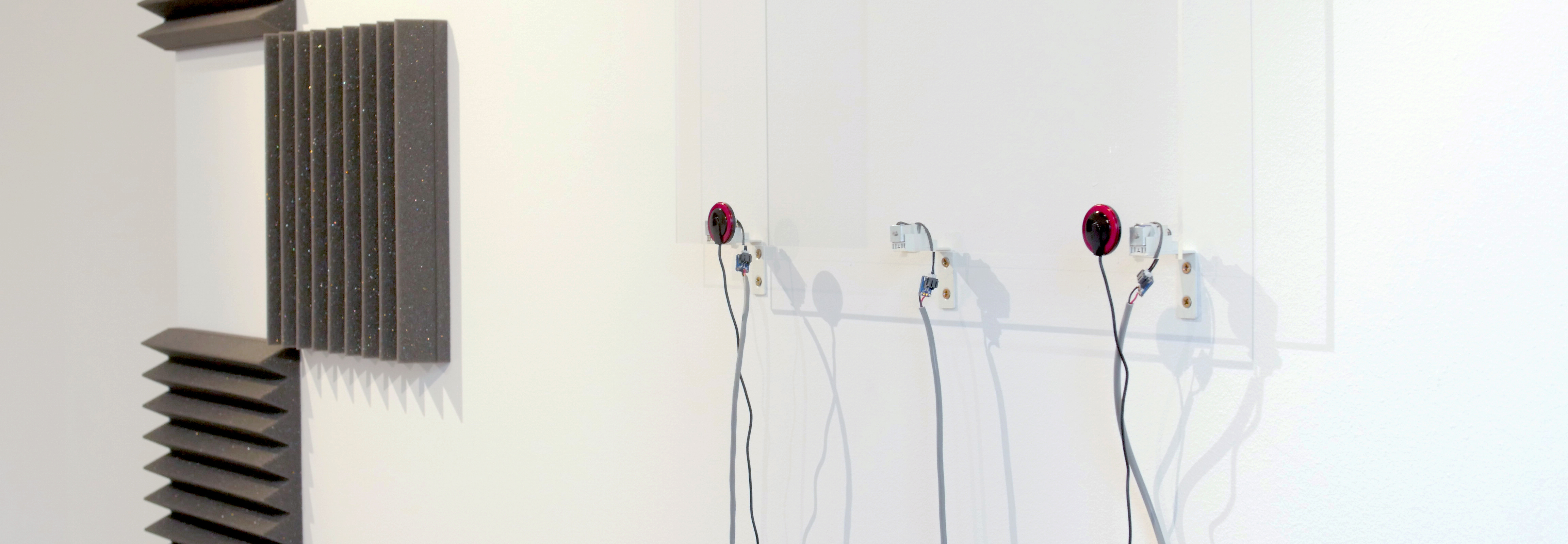 work by Jonas Pequenos